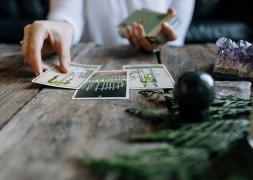 Professional tarragon. Tarot consultations by phone